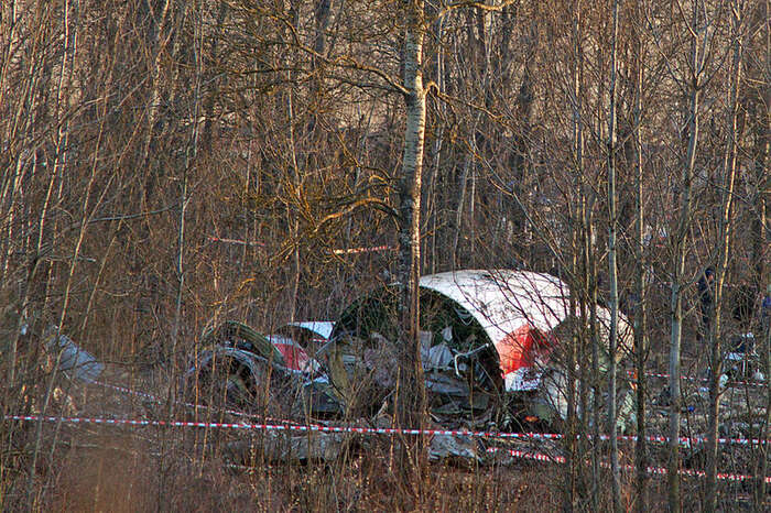 Zbytky polského vládního speciálu, který sezřítil vdubnu 2010 uruského Smolensku. Foto WmC