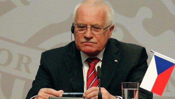 Václav Klaus vidí, že divoký svět loupeživých devadesátých let mizí is jeho ideologií vnenávratnu. Repro DR