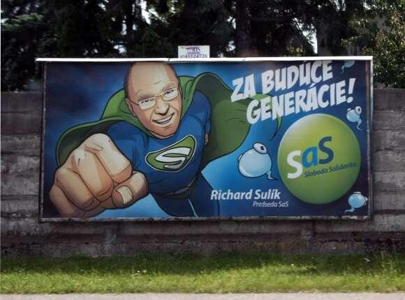 Předseda neoliberální SaS aministr hospodářství Richard Sulík napředvolebním billboardu. Foto archiv SaS