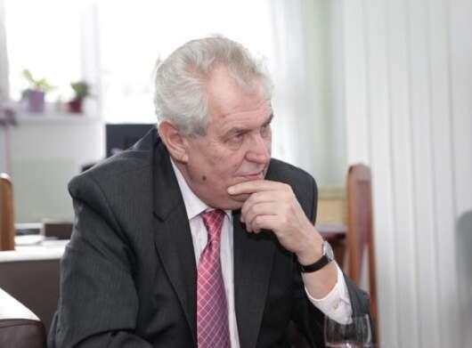 I když nakonec Michala Šmardu ministrem jmenuje, ukázal, že onmá poslední slovo. Foto web Miloše Zemana