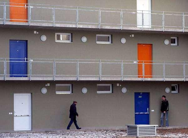 Řešením bytové nouze anedostupnosti bydlení není sociální práce. Řešením absence bydlení jebydlení. Foto Archiv redakce