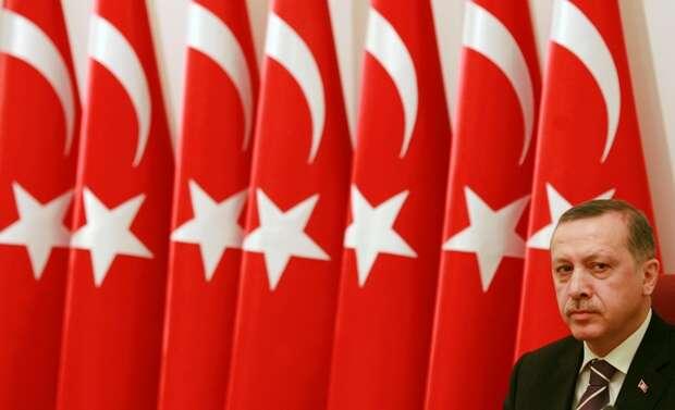Erdoğanove AKP sanepodarilo získať ani absolútnu väčšinu vparlamente. Strana získala otakmer tri milióny hlasov menej ako vroku 2011 askončila sostále výraznou prevahou 40,7 % hlasov. Foto Archiv redakce