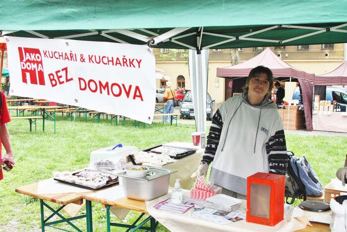 Jako inspirace může sloužit organizace Jako doma, která spolupracuje seženami bez domova. Foto web jakodoma.org