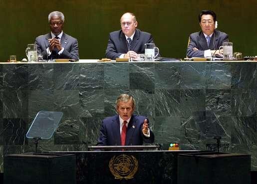 Kavan předsedal vletech 2002 a2003 Valnému shromáždění OSN. Zde při projevu George W. Bushe. Foto Wikimedia Commons