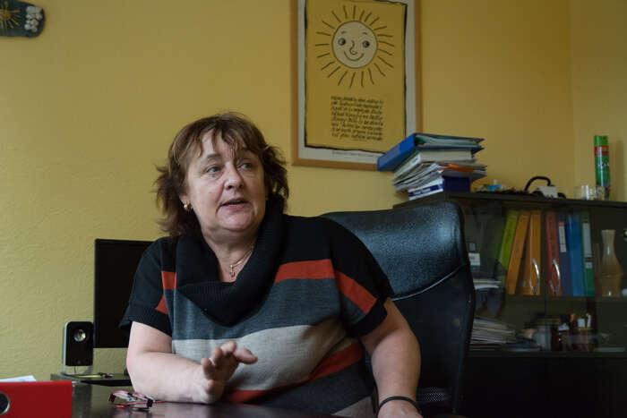 Aktivní ředitelka mateřské školky Dagmar Šornová chodí shánět žáčky doterénu.