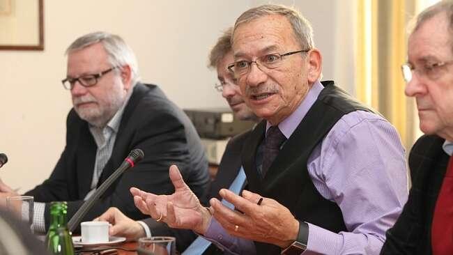 Senátor Jaroslav Kubera nám připomněl, že mír není samozřejmost. Foto web ODS