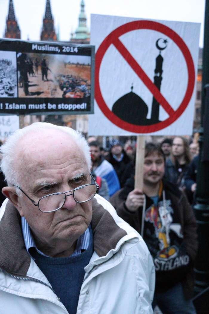 Odpor kreálně nepřijatelným náboženským (nebo náboženství sedovolávajícím) postojům ačinům sepromítá doodporu knáboženství jako celku. Foto Ondřej Mazura, DR