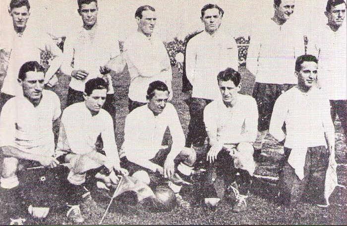 """Argentinská fotbalová reprezentace zroku 1921. Opět: byl to""""jenom"""" sport. Repro: Wikimedia."""