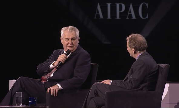 Miloš Zeman vystoupil nakonferenci, kterou veWashingtonu pořádala lobbystická proizraelská organizace AIPAC. Foto repro policyconference.org