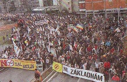 Protestů Nezákladnám sevletech 2006 až 2010 účastnily tisíce lidí. Foto archiv Iniciativy