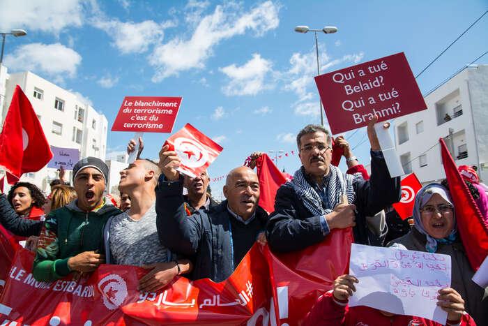 Kdo zabil Belaida, kdo zabil Brahmiho? Podle mnoha Tunisanů vtom má prsty západem podporovaná islamistická strana Ennahda (Hnutí obnovy). Foto Saša Uhlová, DR