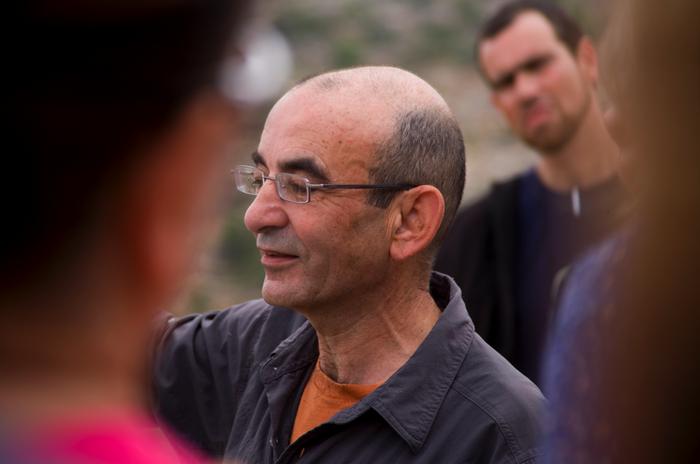 Raja Shehadeh sevposledních letech prosadil jako uznávaný anglicky píšící autor. Vesvých knihách přibližuje západním čtenářům život naokupovaných palestinských územích, vsituaci, kterou Shehadeh označuje zasystém apartheidu. Foto Archiv autora