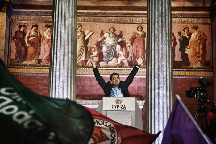 Předsedou zakládající strany Synaspismós vesvých devětadvaceti letech stal Alexis Tsipras, odeset let později byl zvolen ipředsedou superkoalice SYRIZA. Foto time.com