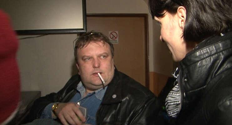 Pořad Reportéři ČT oProkůpkovi natočil reportáž, vníž hopoložila nalopatky konfrontace sfakty asvědectvími. Repro DR