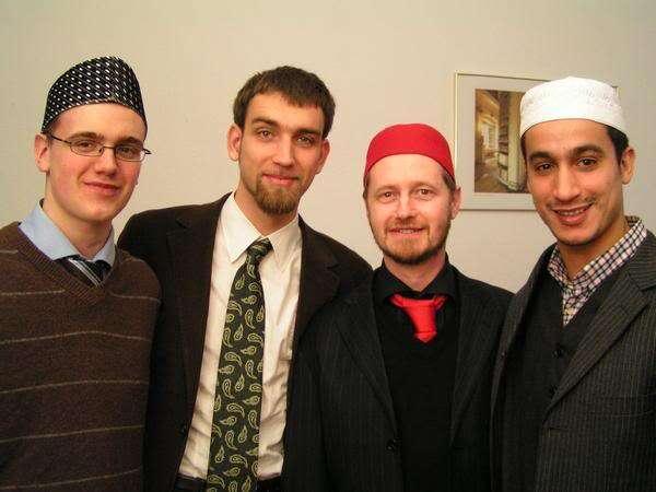 Za pokus oformulaci závazných norem chování vnové situaci lze pokládat Chartu evropských muslimů zroku 2002. Foto alochonaa.com