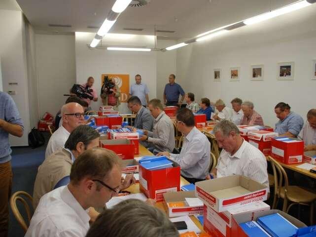 Na začátku primárek bylo vnitrostranické referendum, které schválilo, že členové ačlenky strany budou rozhodovat okonečné podobě kandidátních listin. Foto web ČSSD