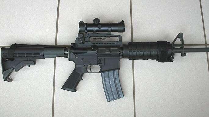 Použitá AR-15, verze karabina. Český server Prodej-zbrani.cz nabízí stejný typ aktuálně za31 977 Kč. Foto NA, WmC