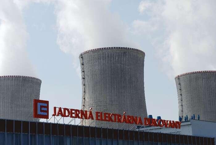 ČEZ učinil první kroky pro přípravu dostavby jaderné elektrárny vDukovanech. Jadernou energetiku však pocelé Evropě provází obrovsképroblémy iodpor veřejnosti. Šance nadostavbu Dukovan jsou minimální. Foto oenergetice.cz