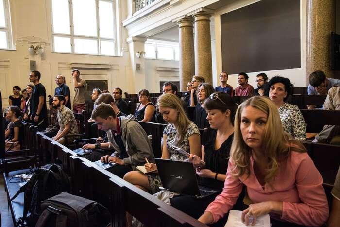 Obžalované přišlo podpořit několik desítek lidí. Foto Saša Uhlová, DR
