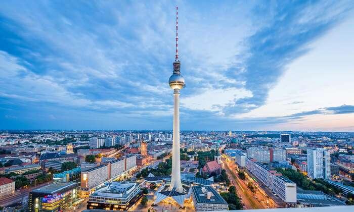 Berlín má pověst sice předluženého ane-úplně-fungujícího, avšak multikulturního avmnoha ohledech jedinečně příjemného města. Foto NA, WmC