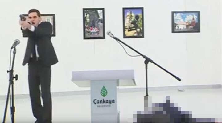 Ankarský střelec Altıntas navideozáznamu. Repro zYouTube