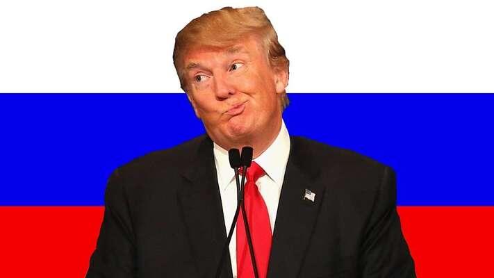 Nastupující americký prezident Donald Trump sruskou vlajkou vpozadí. Repro zYouTube
