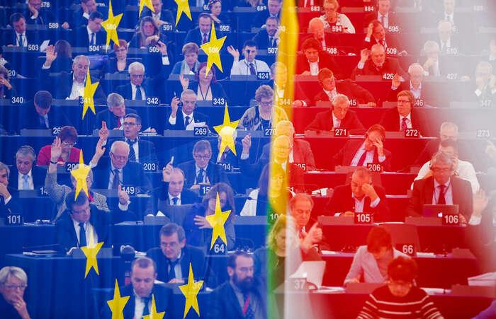 Sociálnědemokratická frakce jevnovém parlamentu opět druhou nejsilnější -- má 152 poslanců ze751. Kprogresivismu sehlásí rovněž zelení, jež mají dalších 72poslanců. Foto EP