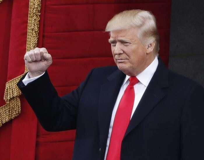 Donald Trump seujal funkce právě před čtrnácti dny. Foto archiv PBS