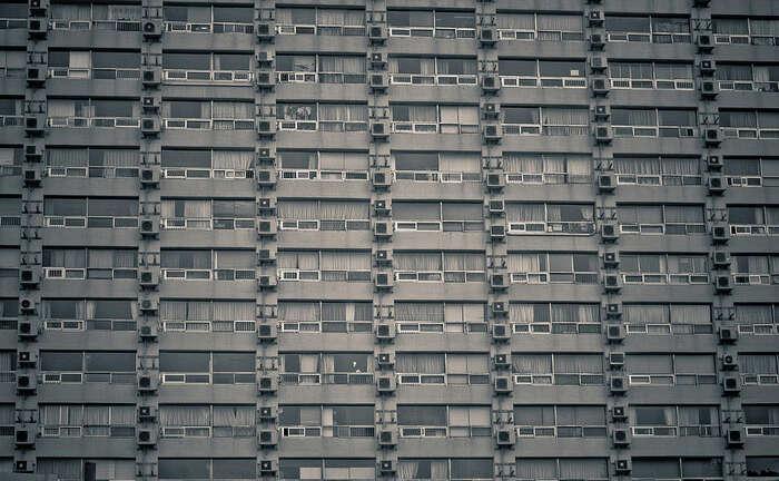 Nestabilita bydlení má řadu bezprostředních dopadů nadomácnosti — finanční, časové, organizační adalší náklady nastěhování, zvykání sina nové bydlení, riziko ztráty kontaktů. Repro DR