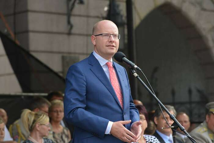 Bohuslav Sobotka končí včele sociální demokracie ipřes vnitrostranické peripetie achyby vřízení strany jako úspěšný premiér. Foto FBB. Sobotky