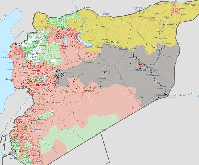 """Současné rozložení sil vSýrii. Zóny pod kontrolou nedžihádistických protiasadovských povstalců pod americkým vlivem zde zelenou najihozápadě země. Růžovou asadovské síly, šedou ISIS, žlutou Kurdové.  """"Zelené """" povstalce naseveru cvičí, zbrojí apodporují zejména sunnitské monarchie aTurecko. Zdroj WmC"""