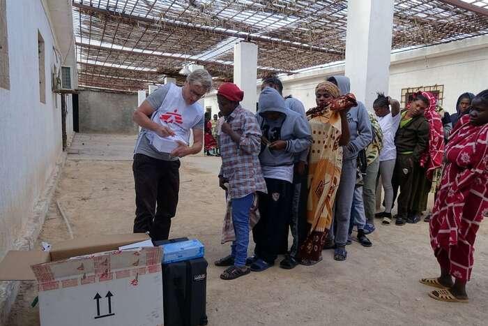 Téměř všichni obyvatelé detenčních center trpí nějakými fyzickými nebo psychickými zdravotními obtížemi. Foto Tankred Stoebe, MSF
