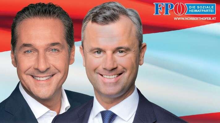 Vypulírovaný Heinz-Christian Strache (vlevo) sesvým nástupcem Norbertem Hoferem, zde naplakátu kprezidentským volbám 2016, vnichž Hofer těsně prohrál sesoučasným prezidentem. Repro achiv FPÖ