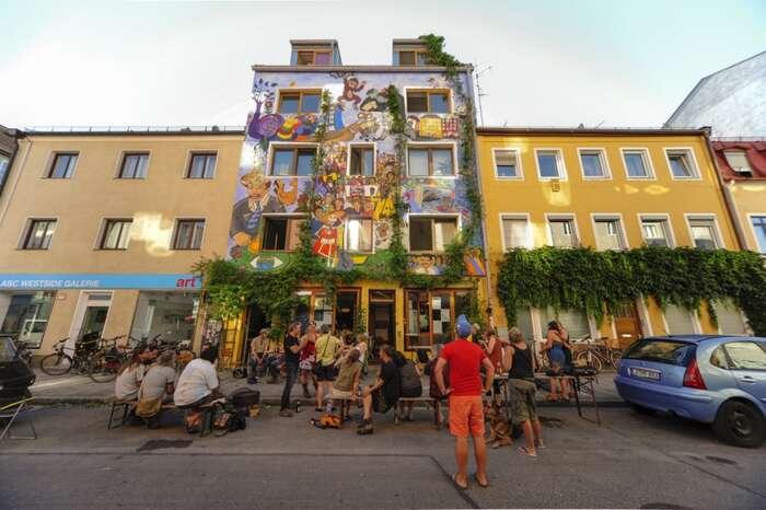 Jeden zněmeckých sdílených nájemních domů nese název Ligsalz8 anachází sevMnichově. Foto Ligsalz8.de
