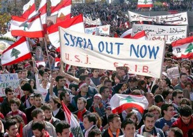 Během tzv. cedrové revoluce vúnoru až dubnu 2005 siprotestující vymohli konečný odchod syrských okupačních vojsk. Foto archiv LJWorld.com