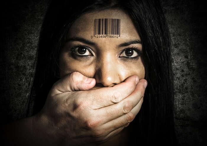 Systém, který generuje stoupající počet novodobých otroků alidí nucených kprostituci, jepokřivený anefunkční. Foto Highlands Radio