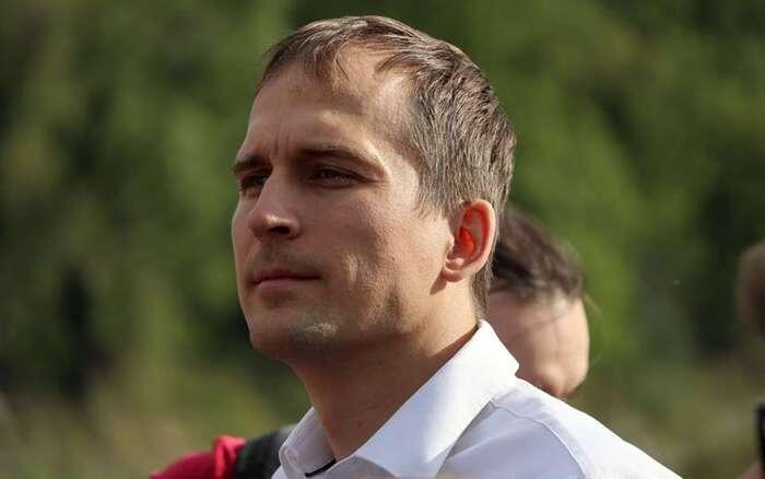 Jan Čižinský získal nejvíce preferenčních hlasů, Piráti nejvíc hlasů, Jiří Pospíšil má prý nejvíc zkušeností avšichni mají třináct mandátů. Budou semuset umět dohodnout. FBJČ