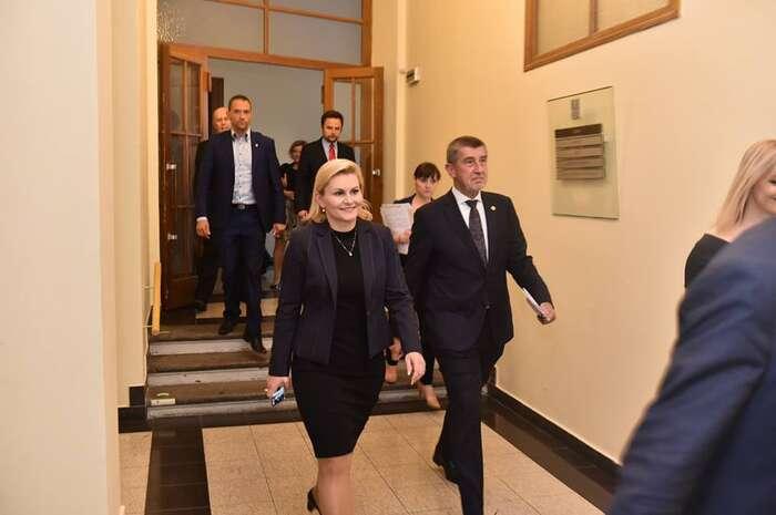 Taťána Malá byla kýmsi vtipně charakterizována jako ministryně obrany Andreje Babiše. Foto FBA. Babiše