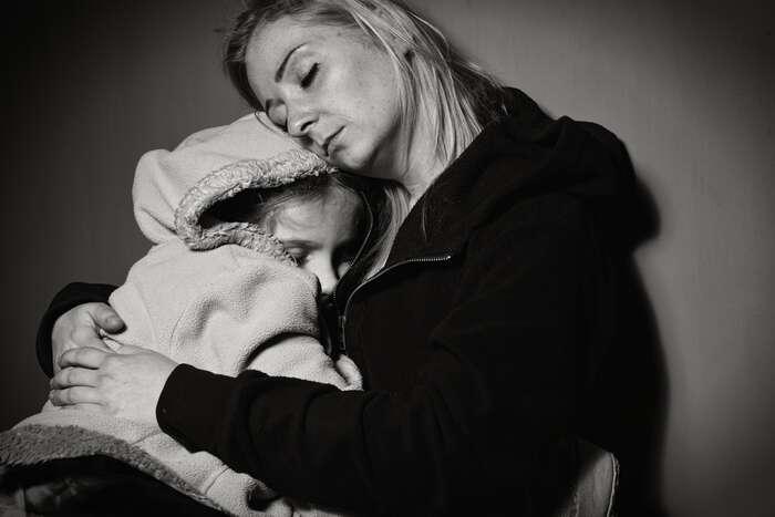 Neplacení výživného adluhy pobývalém partnerovi vhánějí matky samoživitelky doprostituce. Bývá topro ně jediné řešení, jak uživit děti. Foto AblePlan