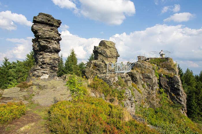 Karlovarský kraj jako učebnice geologie (přírodní památka Vysoký Kámen). Foto Wikipedia