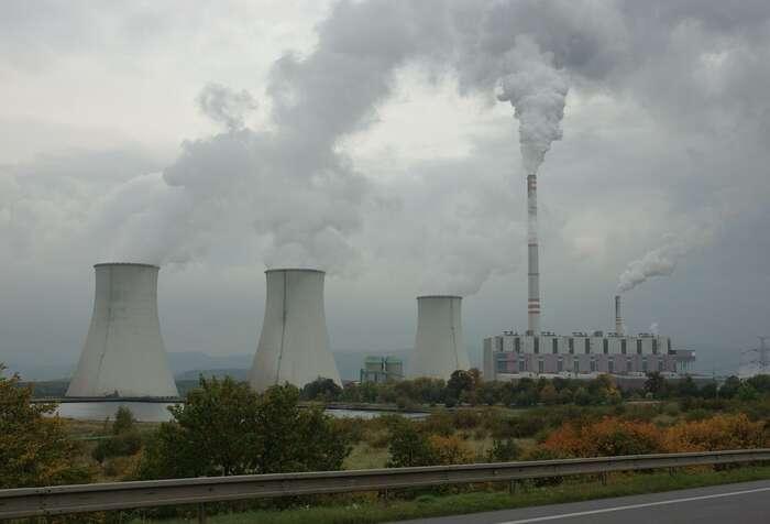 Prunéřov Ikončí, důvody koslavám ale nejsou, česká energetika stále míří plnou parou vzad. Foto WmC