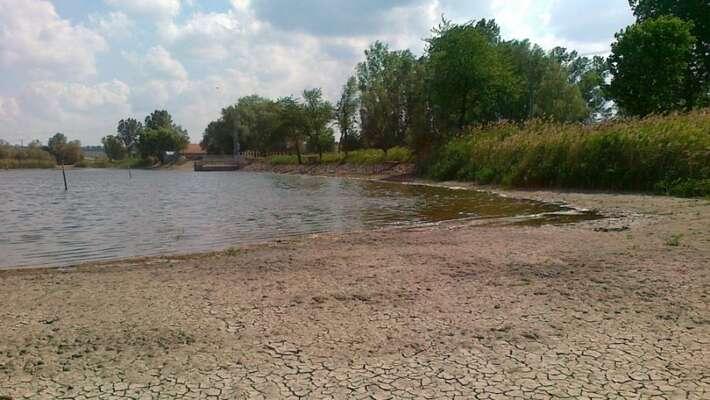 Odvodnění krajiny seobrovsky promítlo doprohloubení sucha, přesto seministerstvo chystá opakovat stejné chyby. Foto Česká televize