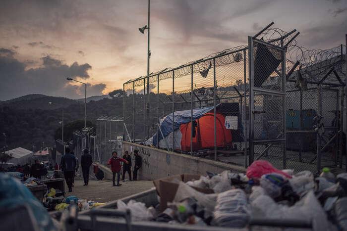 Řecký tábor Moria sestal symbolem neschopnosti aneochoty Řecka acelé EUporadit sispříchodem lidí naútěku před válkami autrpením. Foto AlJazeera