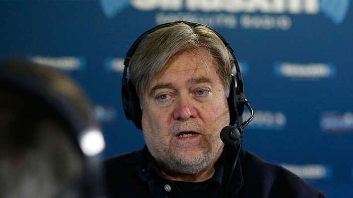 Steve Bannon srozešel sTrumpem vezlém anakonec okradl právějeho stoupence. Přesto i ondostal odprezidenta naposlední chvíli milost. Foto SPLC