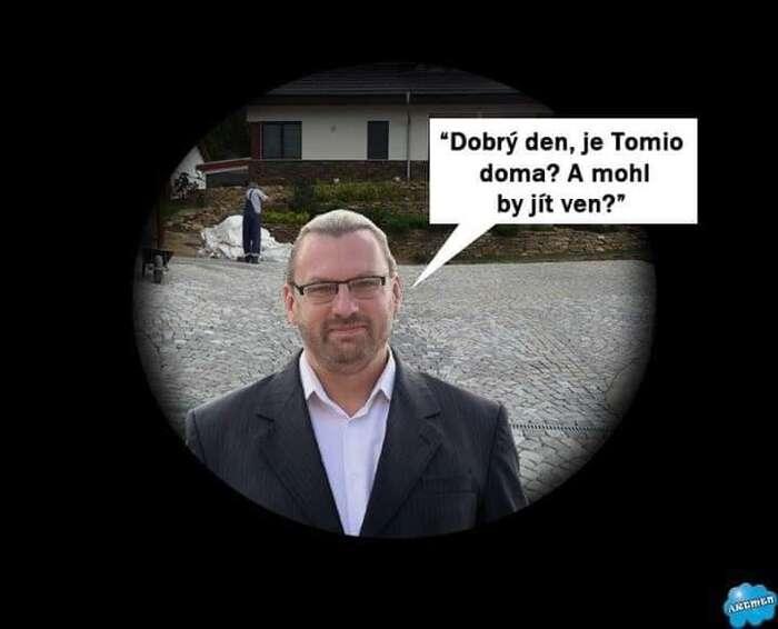 Lubomír Volný jepro smích ibývalým spolustraníkům. Koláž FBBývalí členové hnutí SPD.