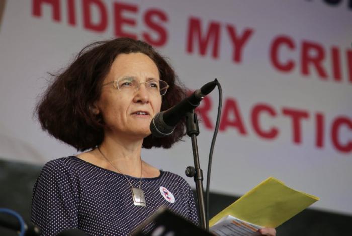 Milena Johnová při projevu naVáclavském náměstí. Foto Tom Rimpel