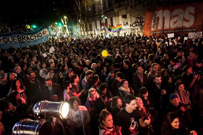 """Na Bolsonara vArgentině čekaly masové protesty proti nenávisti. Předsedkyně poslanecké komise pro zahraniční vztahy Cornelia Schmidt-Liermannová jeale nepovažuje zanic zásadního. Argentinci podle ní """"demonstrují každý týden"""