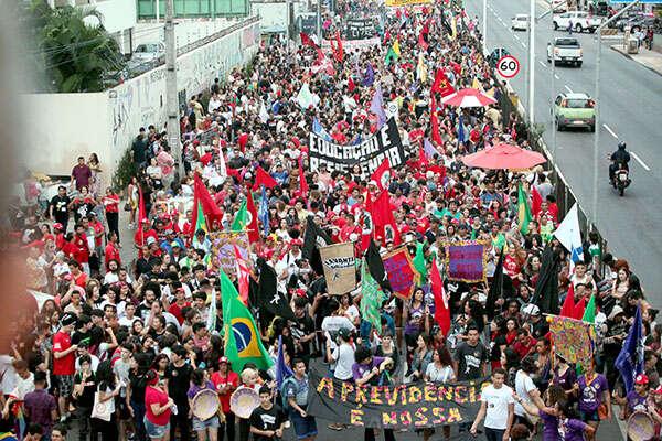 Do generální stávky vBrazílii se14. června zapojily stovky tisíc státních zaměstnanců. Foto Left Voice