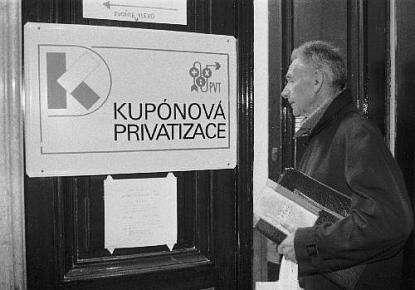Každý má nárok podat svůj privatizační projekt. Kolektivní víra orovných šancích sestala pevnou součástí převažující ideologie. Repro DR