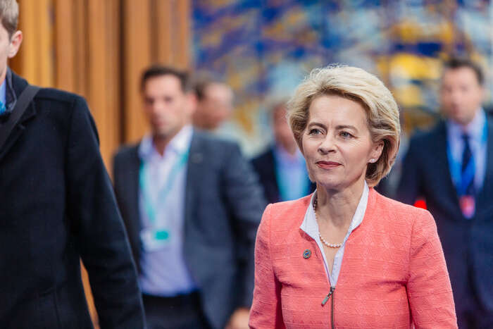"""""""Míříme vysoko anikoho nenecháme dole,"""" říkala Ursula von der Leyen vesvé kandidátské řeči napředsedkyni Komise. Její Green Deal jeoproti těmto frázím naprostým zklamáním, tvrdí hnutí DiEM votevřeném dopisu. Foto Archiv redakce"""